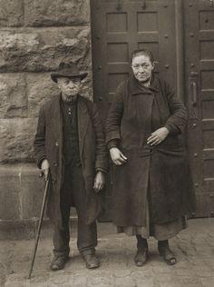 [Beggar couple, Neuwied (Bettlerpaar, Neuwied)]; August Sander (German, 1876 - 1964); Germany; 1928; Gelatin silver print; 24.3 x 18.3 cm (9 9/16 x 7 3/16 in.); 84.XM.126.181; Copyright: © J. Paul Getty Trust