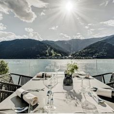 If you want to stay in a traditional building in unique position at Lake Zell, Seehotel Bellevue is your place to be. It connects the spirit of a bygone era with all the comforts of today Bio Sauna, Lakeside Hotel, The Better Angels, Classic Restaurant, Zell Am See, Hotel Spa, Lake View, Beach Club, Hotel Offers
