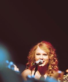 Love this photo, she always looks so happy while on stage!!!