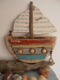 One of my recent Driftwood boats. By Philippa Komercharo.