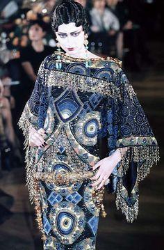John Galliano, for Christian Dior, Haute couture - 1998 - Spring Summer Collection - Tribute to Marchesa Luisa Casati News Fashion, Dior Fashion, Couture Fashion, Fashion Art, Runway Fashion, Vintage Fashion, Womens Fashion, Fashion Design, John Galliano