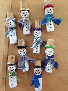 Fun and Easy Christmas Crafts for Kids to Make - Wine Cork Ornaments - Snowman Crafts Fun and Easy C Wine Cork Ornaments, Diy Christmas Ornaments, Handmade Christmas, Christmas Decorations, Snowman Ornaments, Snowmen, Hallmark Christmas, Wine Cork Art, Wine Cork Crafts