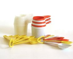 New to LaurasLastDitch on Etsy: Tupperware Measuring Spoons Cups Complete Set(s) Orange White Green Yellow (14.99 USD)