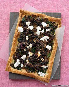 Vegetarian-Yum! Mushroom Spinach Feta Pizza!