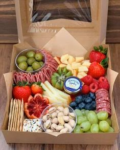 Charcuterie Gift Box, Charcuterie Recipes, Charcuterie And Cheese Board, Charcuterie Platter, Cheese Boards, Snack Platter, Party Food Platters, Cheese Platters, Yummy Appetizers