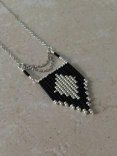 """"" (Image J… """" navajo-chic-black-and-silver (imagen JPEG, 1080 × 1440 píxeles) """" Bead Jewellery, Seed Bead Jewelry, Jewelery, Jewelry Necklaces, Wire Jewelry, Bead Earrings, Beaded Necklace, Beaded Bracelets, Jewelry Crafts"