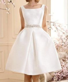 Short satin - wedding dress wedding dress civil Hall in white color satin and a beautiful jewel sleeveless custom belt