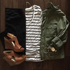 green jacket, stripes, and wedges  emmagw Sapatos De Cunha, Outfit Sandálias  De 18c507fd70