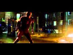 The Flash - The Flash Fights The Arrow (S1E8 - Flash vs. Arrow)