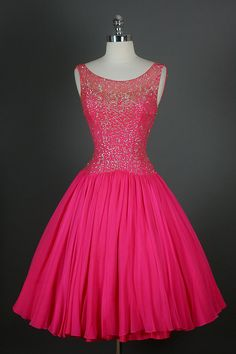 50s dress, should be re-made as a tutu! I'll be wearing one like this to one of our events, indeed!