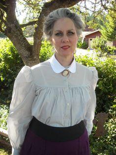 Blouse front and skirt cumberbund