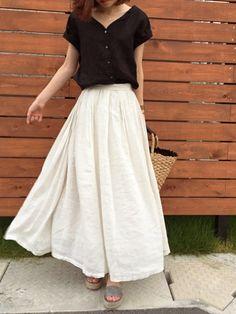 ukapiさんのコーディネート Beige Skirt Outfit, Midi Skirt Outfit, Skirt Outfits, Cute Outfits, Dress, Japan Fashion, Daily Fashion, Fashion Beauty, Womens Fashion