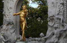 Backstage in Österreich - das Unternehmensverzeichnis Greek, Statue, Art, Business, Economics, Searching, Kunst, Art Background, Greek Language