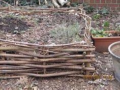 Hochbeet - wie am allergünstigsten mit wenig Aufwand bauen ? Willow Weaving, My Life Style, Gardening, Planting Flowers, Plants, Outdoor, Ph, Vegetables, Patio