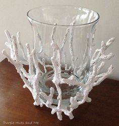 Purple and Me shades: DIY Faux Coral candleholder .- Sfumature violacee e Me: fai da te Faux Coral candeliere di vetro Purple and Me shades: DIY Faux Coral glass candlestick - Seaside Decor, Beach House Decor, Coastal Decor, Seashell Crafts, Beach Crafts, Diy And Crafts, Summer Decoration, Diys, Glue Gun Crafts