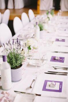 Scheunenhochzeit mit Lavendel von die bahrnausen | Hochzeitsblog - The Little Wedding Corner