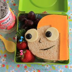 OMG, the girls will die when they open their lunch and find this sandwich in there!!