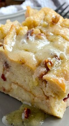 Pudding with Vanilla Bean Sauce Bread Pudding with Vanilla Bean Sauce « These Look Amazing.,Yummy and Delicious!Bread Pudding with Vanilla Bean Sauce « These Look Amazing.,Yummy and Delicious! 13 Desserts, Dessert Recipes, Health Desserts, Cookie Recipes, Trifle Desserts, Picnic Recipes, Health Foods, Plated Desserts, Recipes Dinner