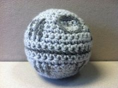 Death Star Crochet Pattern - would make a great bauble for my brother. :)   ppp