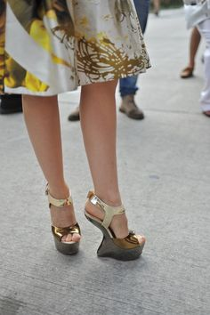 Shoe Watch.  Visit http://fashionartist.org/.  Like share and repin .