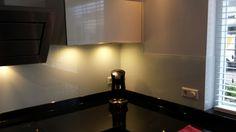 Viskonglas Purmerend voor glazen keukenachterwanden.