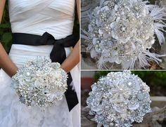 Google Image Result for http://photos.weddingbycolor-nocookie.com/p000037660-m189539-p-photo-484285/bouquets.jpg