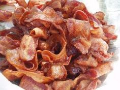 50 Reasons Bacon Is Better Than Kevin Bacon. To be honest its mostly just pictures of bacon. Not even 50 different recipes using bacon. But some interesting bacon crafts. High Fat Diet, Low Carb Diet, Bacon Day, Bacon Bacon, Bacon Cups, Kevin Bacon, Fried Bologna, Breakfast Meat, Argentina