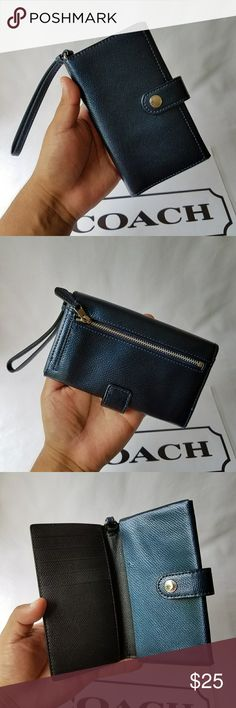 Coach Wallet 100% Authentic  Item has been used/Normal Wear  Comes as seen in pictures   *Serious Buyers Only  **Check Out All the other items i have for sale Coach Bags Wallets