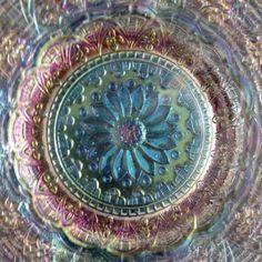 DUGAN-PERSIAN-GARDEN-WHITE-CARNIVAL-GLASS-LARGE-ICE-CREAM-BOWL