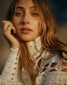 Georges Antoni Latest Editorial for Harper's Bazaar Australia Fashion Images, 70s Fashion, Beauty Editorial, Editorial Fashion, Australian Fashion Designers, Harpers Bazaar, Latest Fashion Trends, Trending Outfits, Fashion Photography