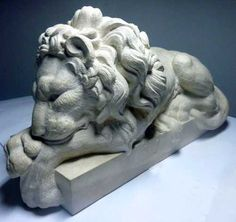 French Limestone #sculpture by #sculptor Thomas Brown titled: 'Baroque Lion after Canova (Carved stone statue)'. #ThomasBrown