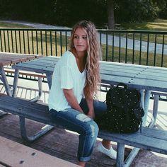 Fashion and lifestyle vlogger Karina V. #iweargarage