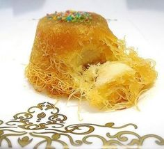 A very very practical and delicious dessert after dinner. Pasta Cake, Delicious Desserts, Dessert Recipes, Baklava Recipe, Turkish Sweets, Lava Cakes, Food Words, Breakfast Items, Turkish Recipes