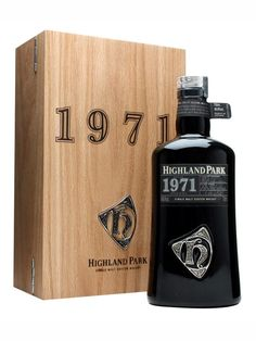 Highland Park 1971 / Orcadian Vintage : Buy Online - The Whisky Exchange - A long awaited entry in the Highland Park Orcadian Vintage range - distilled way back in 1971. Continuing the tradition of the other bottlings in the series its comes in a hefty bottle and is packa...