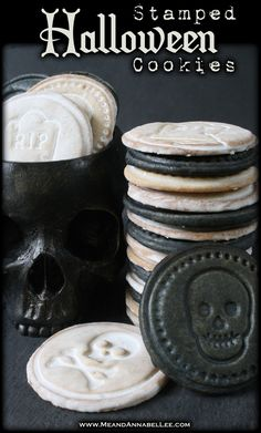 A fun Halloween treat. Skull and RIP Stamped Almond Vanilla Sugar Cookies. So easy to make with these Halloween Cookie Stamps and Royal Flood Icing. Cameo Cookies, Iced Cookies, Sugar Cookies Recipe, Fun Halloween Treats, Halloween Cookies, Halloween Town, Halloween Dinner, Gothic Halloween, Flood Icing