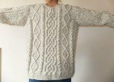 FREE pattern - Ravelry: Glencoe pattern by Anna Lewis http://www.ravelry.com/patterns/library/glencoe-2