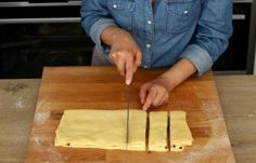 Butcher Block Cutting Board, Biscuits, Dessert Recipes, Food And Drink, Cooking Recipes, Drop, Pains, Aloe Vera, Dessert