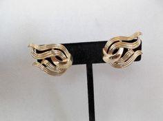 Vintage Crown Trifari filigree flame design clip earrings #Trifari #Clip