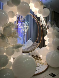 18th Birthday Party Themes, 21st Bday Ideas, Birthday Balloon Decorations, Birthday Balloons, Wedding Decorations, 18th Birthday Party Ideas Decoration, Sweet 16 Party Themes, 21st Party Decorations, Birthday Centerpieces