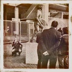 Denkmal von Heinz Flohe vor dem RheinEnergie Stadion in Köln. #heinzflohe #1fckoeln