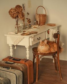Find images and videos about vintage, cat and autumn on We Heart It - the app to get lost in what you love. Cottage In The Woods, Cozy Cottage, Interior Decorating, Interior Design, Vintage Room, Aesthetic Room Decor, My New Room, Dream Bedroom, Retro
