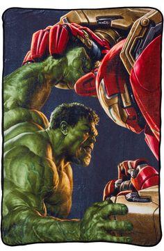 Hulk Vs Hulkbuster Fleece Blanket: Super Heroes: Avengers 2 Blanket