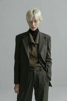 Pin on 服装 Fashion In, Purple Fashion, Korean Fashion, Fashion Outfits, Womens Fashion, Fashion Design, Boyish Fashion, Pastel Fashion, Floral Fashion