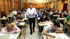 Estudiantes en los examenes de selectividad