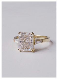 Radiant Cut Engagement Rings, Baguette Engagement Ring, Dream Engagement Rings, Engagement Ring Cuts, Vintage Engagement Rings, Emerald Cut Engagement, Radiant Cut Diamond, Ring Verlobung, Dream Ring