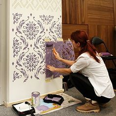 Stencils give life to boring interiors! This is so cool! I would love to try this...what do you think? Find stencils here: http://amzn.to/2ltcRxC