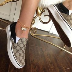 shop Looking for some unique splendid anklet, well no worries, we have huge collection of exquisite anklets fashion accessories for every occasion Sneakers Fashion, Fashion Shoes, Style Fashion, Fashion Belts, Fashion Women, Chanel Fashion, Fashion Killa, Fashion Accessories, Fashion Jewelry