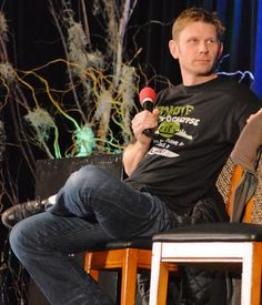 Mark Pellegrino ...my new crush.  Loved him!  Mark is laid back and genuine.  He looks you right in the eyes when talking to you.  I can't get over how he crushed me in a hug at our photo op. Nice! ;)  But he's a guy who doesn't have to have the spotlight.  However, he's so magnetic, you can't help but be drawn to him.  (notes from Leisa) #ChiCon2013