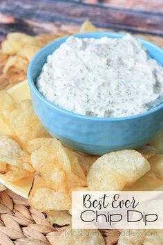 Best Ever Chip Dip This simple chip dip takes 5 minutes to pull together, and is SO much better than those little packets – cheaper, too! Sour cream, mayo, and herbs! Homemade Chip Dip, Homemade Dips For Chips, Yummy Appetizers, Appetizer Recipes, Christmas Appetizers, Appetizer Dips, Snack Recipes, Best Chip Dip, Dip For Potato Chips
