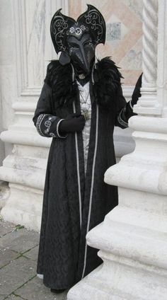 Budget travel venice carnival costumes, st marks sq… – Well come To My Web Site come Here Brom Venetian Costumes, Venice Carnival Costumes, Venetian Carnival Masks, Carnival Of Venice, Venetian Masquerade, Masquerade Masks, Venice Boat, Venice Travel, Venice Italy